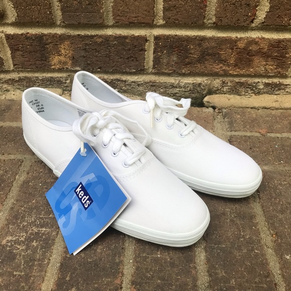NWT Keds White Canvas Sneakers Size 7.5